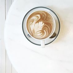prettiest almond latte art