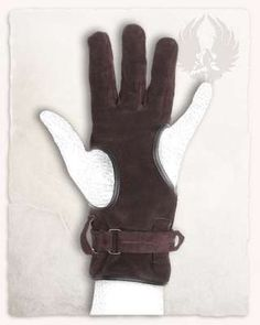 A good friend for many archers: the glove on the drawing hand.A short glove with three complete fingers, Thumb and little finger are spared and not covered. The strap wrapping the wrist is used to tie the glove tight. The holes on thumb and little finger are seamed with smooth leather uppers.Using the glove will lon... Archery Gloves, Archery Bows, Mounted Archery, Viking Woman, Character Outfits, Leather Pouch, Belts For Women, Larp, Leather Working