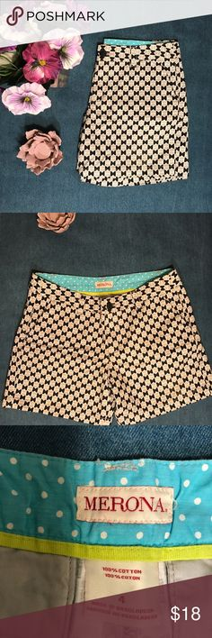 "Target grey/black/white bow patterned shorts Target grey/black/white bow patterned shorts. No flaws Merona brand 5"" inseam 13"" top to bottom 32"" waist 100% cotton Merona Shorts"