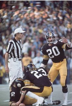 Bradshaw goes down, Super Bowl X vs Dallas Pittsburgh Steelers Football, Pittsburgh Sports, Football Season, Football Players, Jack Lambert, Nfl Uniforms, Nfl History, Steeler Nation, Football Photos