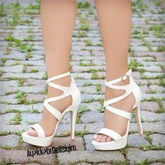 Şimuzi Beyaz Platform Topuklu Ayakkabı – Fashion For Womens Platform Shoes Heels, Stiletto Shoes, Shoes Heels Boots, Heeled Boots, Sexy High Heels, White High Heels, Black Heels, Giuseppe Zanotti Heels, Fancy Shoes