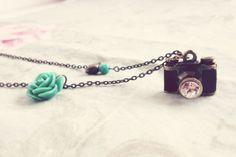Collar Vintage Cámara Pájaro Flor turquesa / ★★ Kandy Diseños ★★ - Artesanio