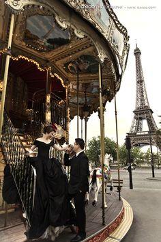 Fairytale Romance Photos - Woh! Here comes deh Bunnez!