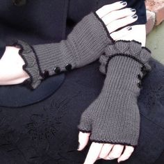 Belle Ruffle Gloves :: Neo Victorian Inspired ruffled fingerless gloves.