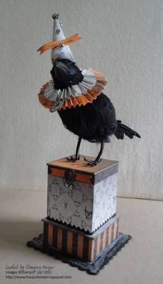 halloween bird, I have some crows and now I have a great idea as to what I could do with them.