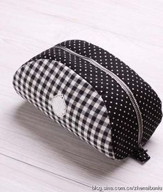 pouch with template