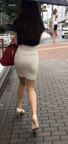 Mature and black booty tube