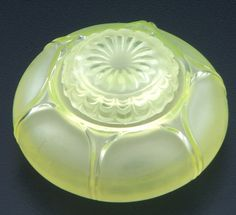 R. LALIQUE Inkwell, Nenuphar, clear and frosted