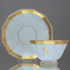 Nymphenburg: Mokkatasse Perl, Gedenktasse Kaiserin Auguste Victoria, Gold, Tasse, memorial cup, demi tasse, Auguste Victoria, Empress of Germany