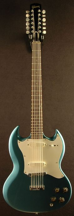 Gibson SG 12 string electric with single coils. Interesting.