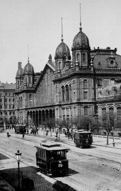 Western Railway Station...Budapest 1870 - ....? Old Photos, Vintage Photos, Danube River Cruise, Hungary Travel, Vintage Architecture, History Photos, Most Beautiful Cities, Budapest Hungary, Capital City