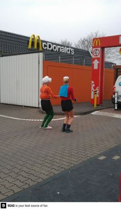 Mermaid Man and Barnacle Boy getting a krabby patty!