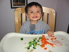 Finger Foods for Baby by homemade-baby-food. Photo by Scot May: These foods are all healthy, nutritious and ideal for a baby getting to grips with feeding himself! #Baby #Finger_Food