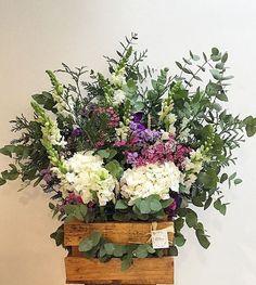 Floral Wreath, Wreaths, Diy, Home Decor, Crafts To Make, Flower Crowns, Door Wreaths, Bricolage, Deco Mesh Wreaths