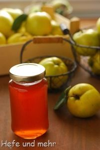 Quince Jelly (without gelling sugar) Chutneys, Healthy Eating Tips, Healthy Nutrition, Food N, Food And Drink, Quince Jelly, Jam And Jelly, Vegetable Drinks, Jam Recipes