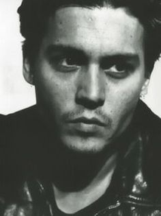 Johnny Depp... Being this good looking should be illegal ;)
