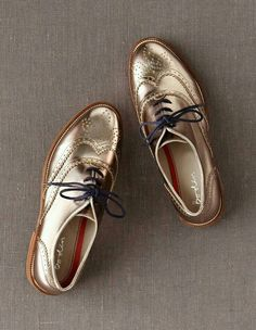 metallic gold wingtips
