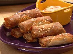 Cheeseburger Eggrolls with Dipping Sauce