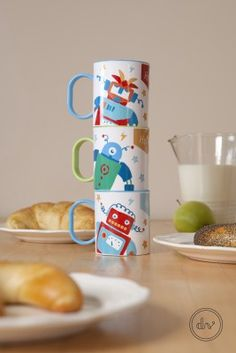 Robot patterned BPA free polyester mugs by Designvonal available at dvshop. Food Design, Robot, Mugs, Tableware, Pattern, Free, Products, Dinnerware, Tumblers