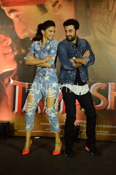Ranbir sways Deepika off her feet in this special #Tamasha Step.