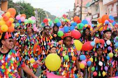 GUYANE Le carnaval de Cayenne, fin février, est l'un des plus festifs et colorés du monde avec celui du Brésil.