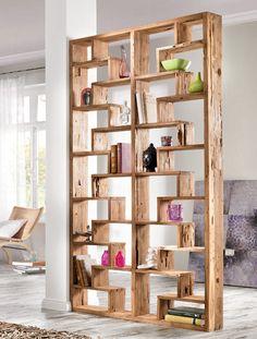 Mit einem freistehenden Regal als Raumteiler kann das Zimmer jederzeit neu…
