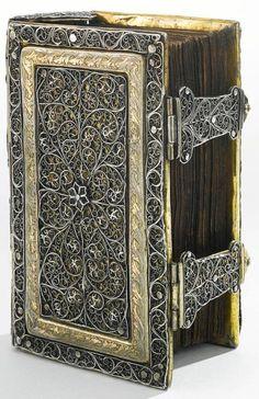 libro del 1700 con rilegatura in filigrana-Biblioteca Nazionale Tedesca
