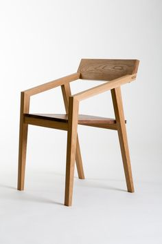 Chair in Oak and Walnut. Photos: Richard Ivey