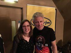 Adam Clayton dit tout... ou presque ! - Lors de la cérémonie des Music Awards 2016, notre toujours très chic Adam Clayton, bassiste de la formation rock irlandaise U2, a passé la tête pour (...) - U2 France