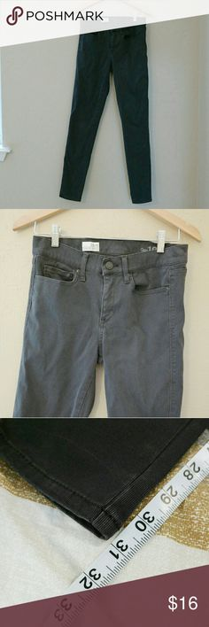 """Gray GAP Corduroy Skinny Pants Size 28/6, 9.5"""" Rise, 31"""" Inseam. Like new condition. Perfect for Fall and Winter! GAP Pants Skinny"""