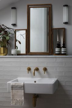 Make your bathroom look and feel like a spa with these key design principles and ideas Guest Bathrooms, Large Bathrooms, Small Bathroom, Bathroom Ideas, Interior Design Gallery, Bathroom Interior Design, Interior Decorating, Bathroom Plants, Bathroom Shelves