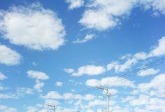 今天新竹的天空:D | 好像小動物們一直奔奔奔出閘!! 太可愛了,害我一直仰著頭騎車。 (好可惜沒帶相機只好用手機拍..… | Flickr
