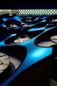 The Blue Frog Lounge (Mumbai) - Cool Restaurant Design in India by the Serie Architects - Cool Ideas and Gadgets Deco Restaurant, Modern Restaurant, Restaurant Design, Restaurant Interiors, Restaurant Concept, Restaurant Lounge, Restaurant Ideas, Hotel Interiors, Mumbai