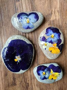 Pressed Flower Rocks Pressed Flower Rocks: 8 Steps (with Pictures) The post Pressed Flower Rocks appeared first on Knutselen ideeën. Crafts with rocks Pressed Flower Rocks - Knutselen ideeën Rock Crafts, Fun Crafts, Diy And Crafts, Arts And Crafts, Adult Crafts, Crafts For Teens To Make, Crafts To Sell, Flower Crafts, Diy Flowers