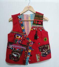 Dress Design Patterns, Fabric Patterns, Pattern Design, Dress Designs, Design Design, Red Vest, Most Beautiful Dresses, Fashion Art, Womens Fashion