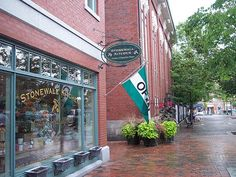 Stonewall Kitchen in Portsmouth, New Hampshire. Portsmouth New Hampshire, Stonewall Kitchen, Missouri, Places To Go, Drop, Spaces, Travel, Voyage, Viajes