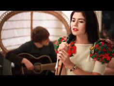 "▶ MARINA AND THE DIAMONDS   ""HOLLYWOOD"" [ACOUSTIC] - YouTube"