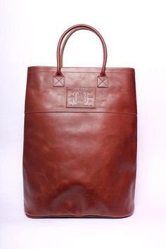sir & madame leather carrier