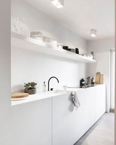 7 Perfect Clever Hacks: Minimalist Kitchen Decor Floors minimalist home plans square feet.Extreme Minimalist Home Small Spaces minimalist home interior natural light.Minimalist Bedroom Color Home Office. Minimalist Kitchen Design, Home Kitchens, Home Remodeling, Living Room Remodel, Interior Design Kitchen, Home Decor, Kitchen Style, House Interior, Minimalist Kitchen