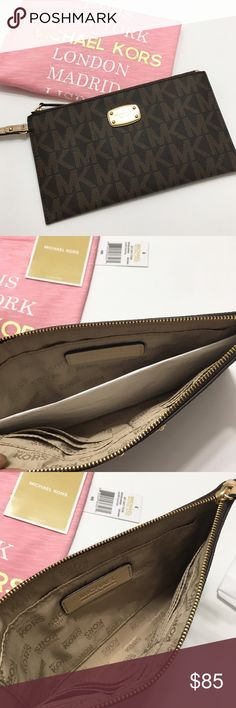 """NWT Michael Kors LG Zip Clutch 100% Authentic Michael Kors Clutch.  🔹MK Michael Kors Jet Set Item Large Zip Clutch.  🔹 Color: Brown 🔹 Signature: PVC 🔹Top Zip with wrist strap w/ 7"""" strap drop.  🔹 1 interior slip pocket 🔹 6 Credit Card Slots 🔹Logo lining 🔹Michael Kors Logo Plate on front.  🔹No trades or PP. 🚫MK Tee not included 🚫Listed in a separate listing. MICHAEL Michael Kors Bags Clutches & Wristlets"""