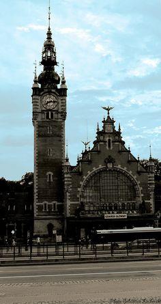 The main station by Sebastian Lacherski on 500px