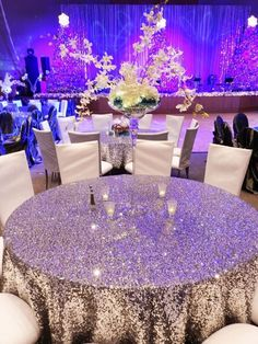 Found the marvelous ideas on how to grow up your wedding to use glitter. Here are great ways to incorporate glitter into your day. Glitter Wedding Centerpieces, Bling Centerpiece, Glitter Wedding Invitations, Birthday Party Decorations Diy, Wedding Decorations On A Budget, Sequin Tablecloth, Tablecloths, Wedding Planning Guide, Edible Glitter