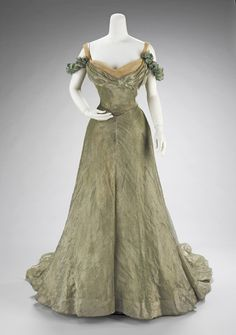 """the-met-art: """" Ball gown by Jacques Doucet, Costume Institute Medium: silk, metal Brooklyn Museum Costume Collection at The Metropolitan Museum of Art, Gift of the Brooklyn Museum, Gift of Mrs. Retro Mode, Vintage Mode, Vintage Gowns, Vintage Outfits, Vintage Clothing, Vintage Hats, Edwardian Fashion, Vintage Fashion, Edwardian Gowns"""