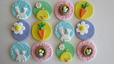 9 Fun Ways To Decorate Cupcakes That Look Awesome Fondant Cupcakes, Kid Cupcakes, Easter Cupcakes, Fondant Toppers, Easter Cookies, Easter Treats, Cupcake Cookies, Cupcake Toppers, Easter Cake Toppers