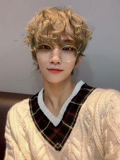 Hong Jisoo my page for more pic Jisoo Seventeen, Joshua Seventeen, Seventeen Debut, Woozi, Wonwoo, Jeonghan, Hip Hop, Steven Universe, Persona Five
