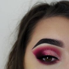 When baking a cake, each ingredient matters! What would this look be without nice brows? What would it be without the pigmented shadow? What would it be without our SPRINKLES?!
