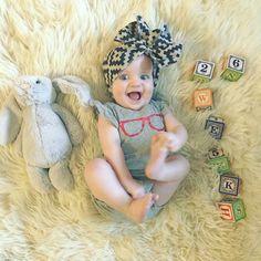 Simply Kimberly | Baby Milestone | Milestone Pictures | Weekly Baby Pictures | Watch Me Grow | Baby | Baby Bows | Baby Headbands | Wildsunshine Threads | Hipster Baby