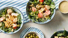 Салат с жареным сыром, курицей и соусом из халвы: рецепт с пошаговым фото