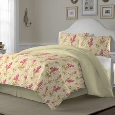 Laura Ashley Hannah Biscuit Reversible Comforter Set - Overstock™ Shopping - Great Deals on Laura Ashley Comforter Sets Bed Duvet Covers, Comforter Sets, Duvet Cover Sets, Chic Bedding, Duvet Bedding, Laura Ashley Comforter, Luxury Bedding Sets, Cozy Bed, Decoration