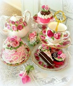 Today pink!! Good morning everyone!! <3 <3
